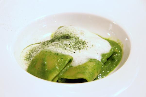 Mezzo Pacchero con broccoli, cime di rapa e schiuma di provola