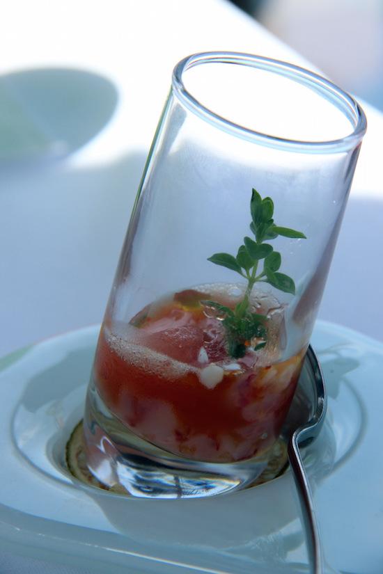 Tartare di gamberi rossi con granita al Campari, arancia e yogurt