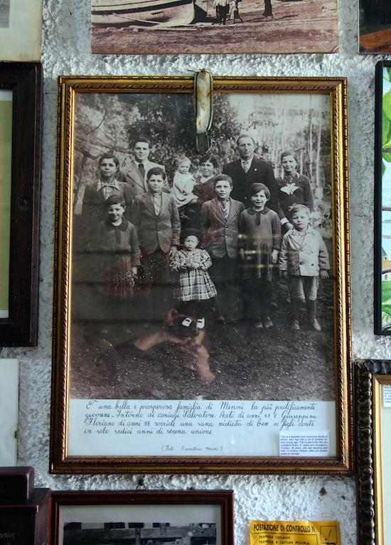 Ritratto d'epoca fascista della famiglia Aceto